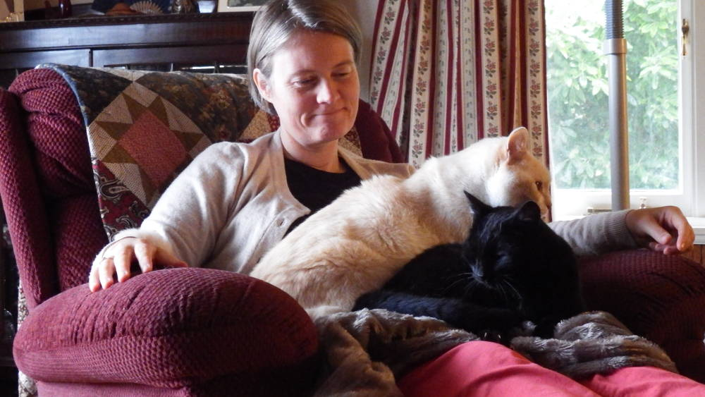 Hildegunn the cat whisperer in Lanena